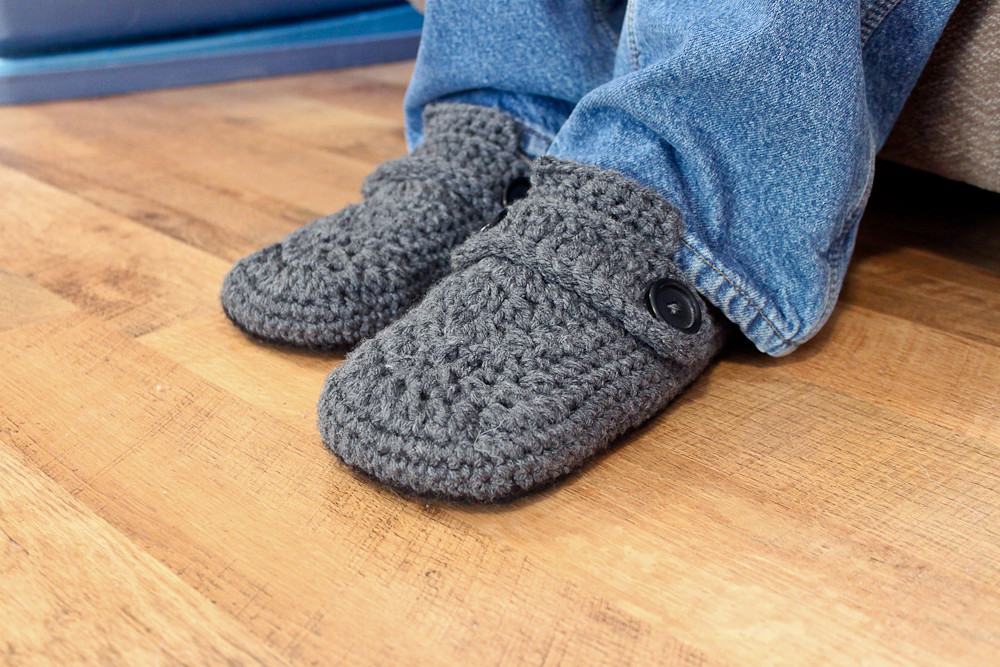 Opa House Slippers Crochet Pattern | blogged: easymakesmehap… | Flickr