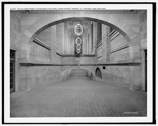 Grand Central Station Incline from Subway to Suburban Concourse | by syscosteve