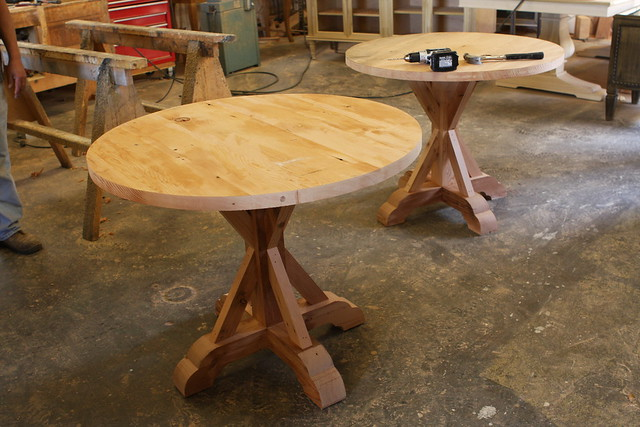 Industrial Lokking Reclaimed Wood Round Dining Tables Mort