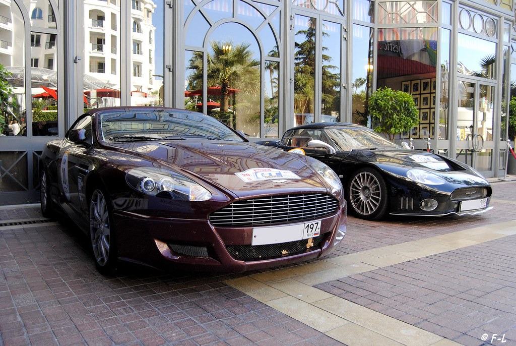 combo aston martin db9 et spyker cannes le majestic flickr. Black Bedroom Furniture Sets. Home Design Ideas