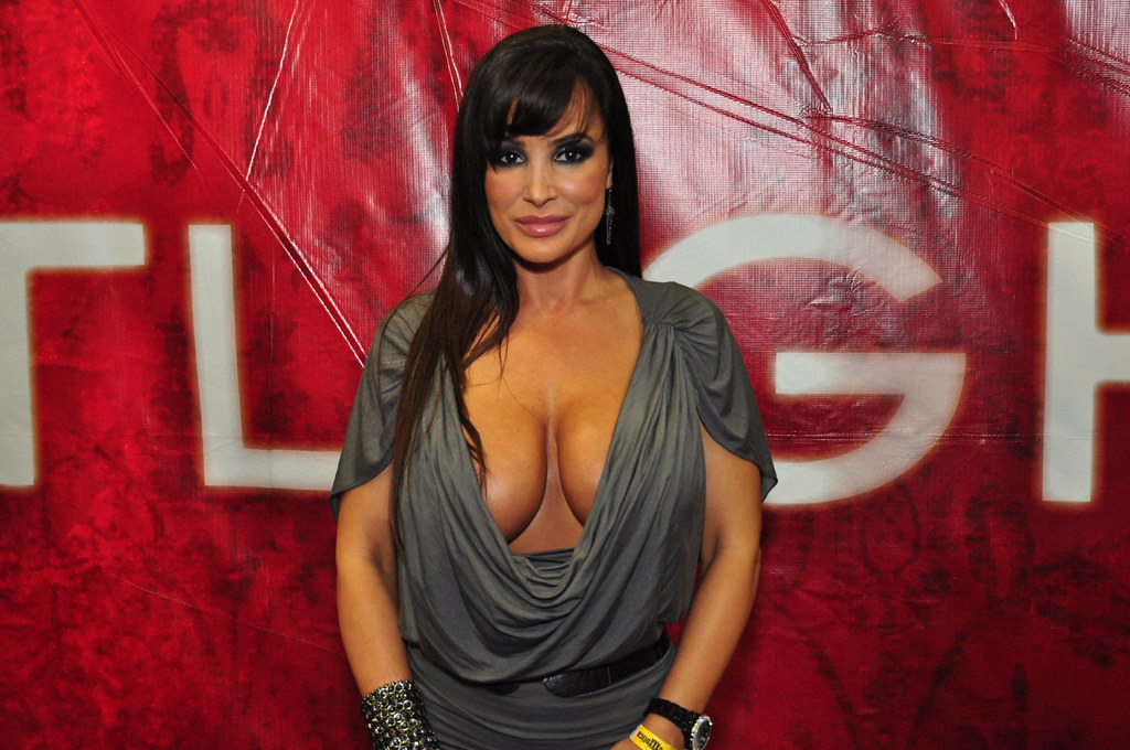 Lisa ann close up pics