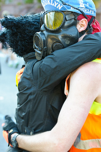Gas Mask Runner in the NYC Marathon | by Clay Thurmond Cycling Photos