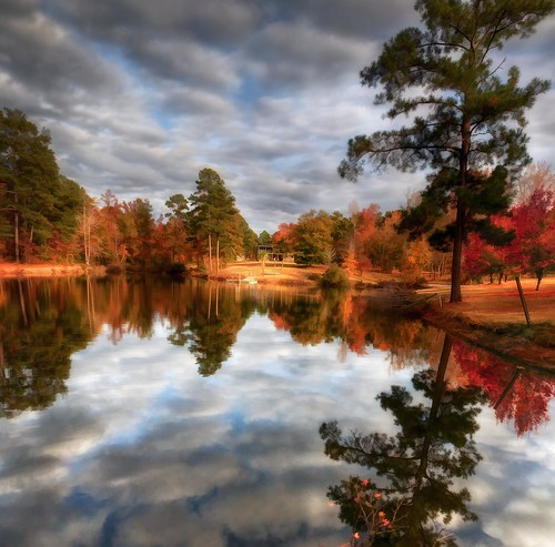 Meme's Home and Lake In Georgia Autumn | by JamesWatkins
