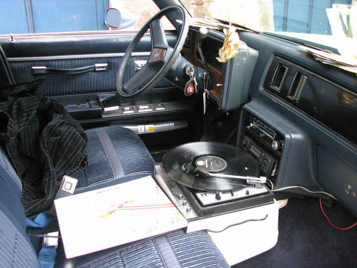 Recordplayer In Car An Other Inventive Mind Work Here