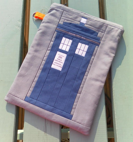 Tardis zip case | by Flying Blind On A Rocket Cycle