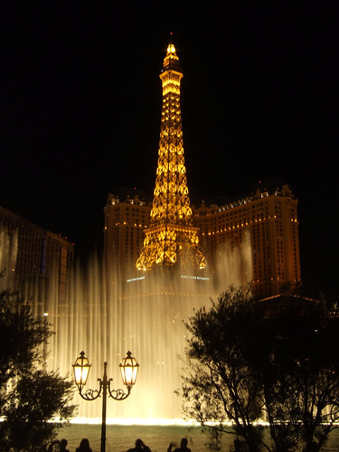 Bellagio Fountains | by Robert Dall