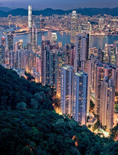 how to get down from victoria peak