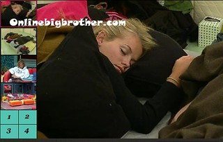 BB13-C2-8-12-2011-9_01_52.jpg | by onlinebigbrother.com