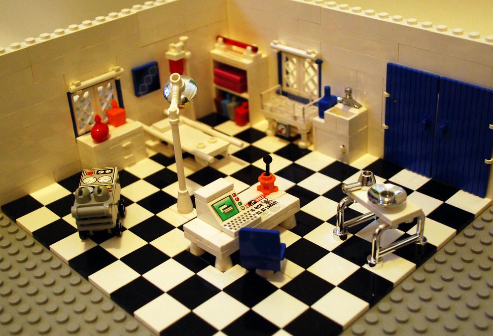 hospital room - Lego | tikitikitembo | Flickr