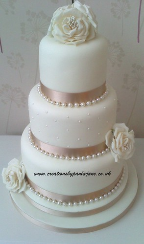 Wedding Cakes With Ribbon And Pearls