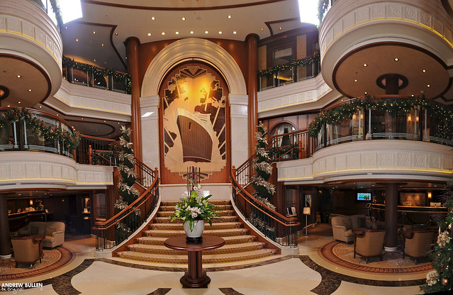Grand lobby deck one queen elizabeth cruise ship flickr photo sharing for Queen elizabeth 2 ship interior