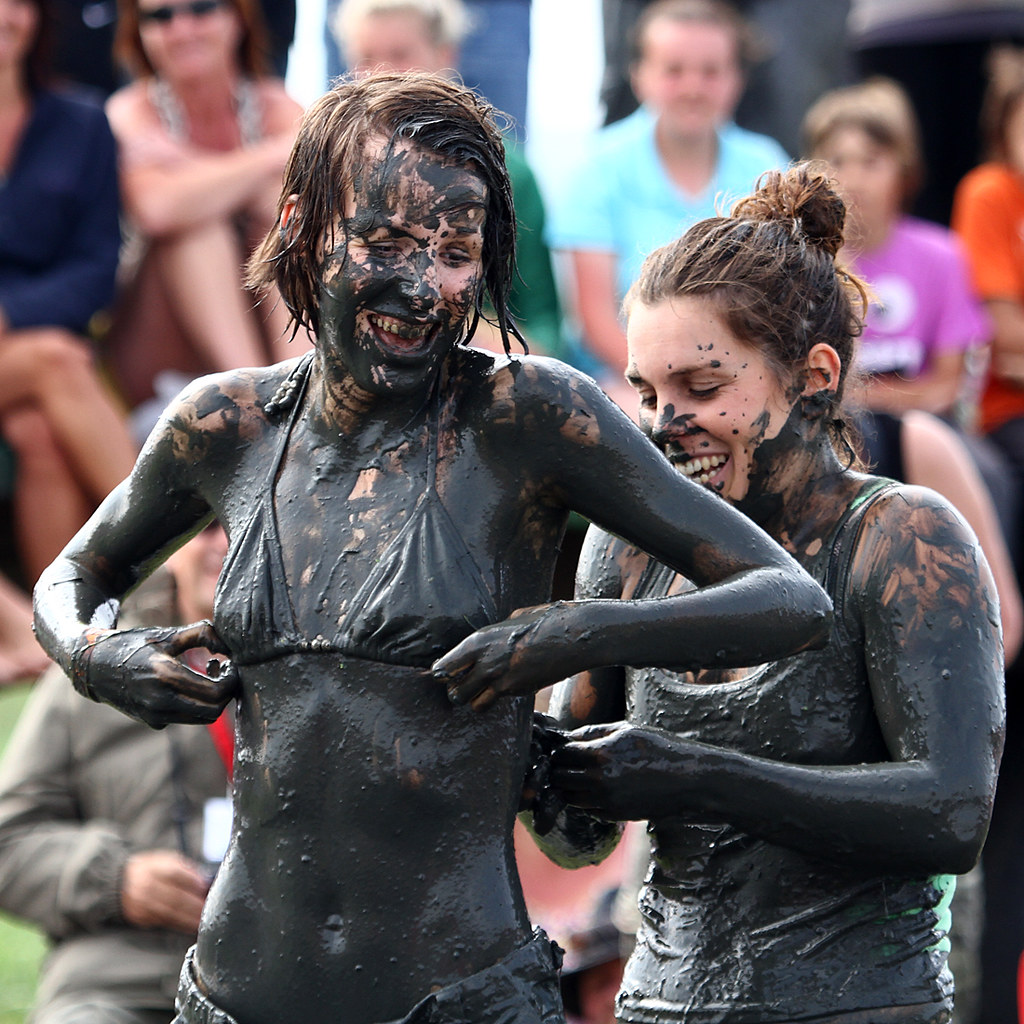 More Ladies Mud-Wrestling  A Little Help To Save Any -5834