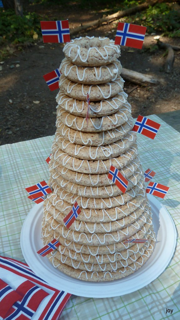 norwegian wedding cake tradition traditional wedding cake kransekake 17932