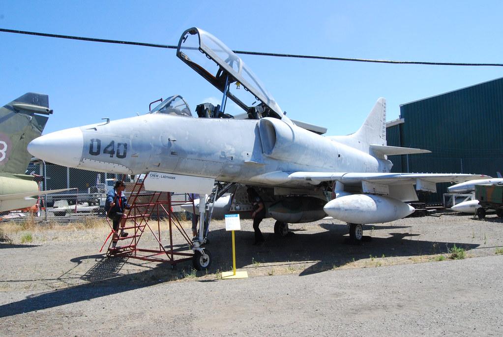 Douglas TA-4J Skyhawk US Navy trainer 154332 | DSC_0123