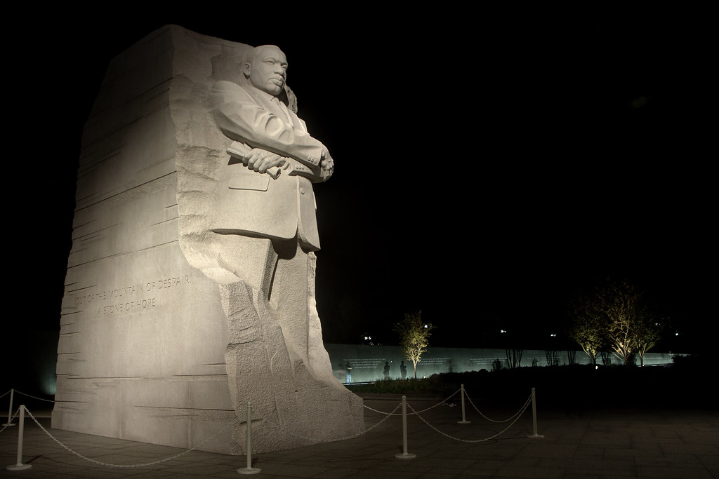 Martin Luther King Jr Memorial At Night Martin Luther King Flickr