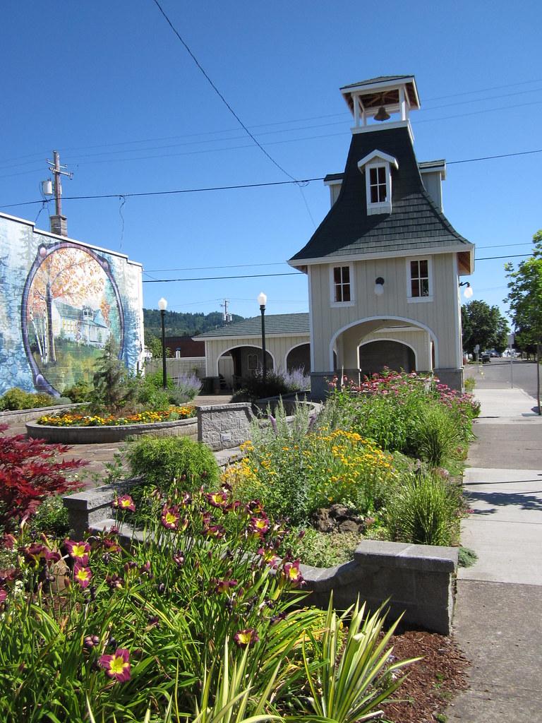 Food Main Street Forest Grove Oregon