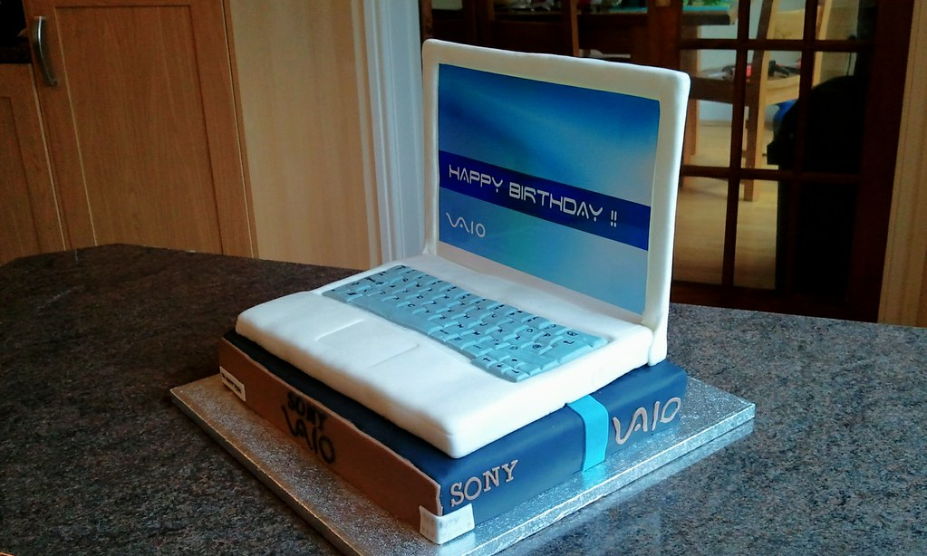 Laptop Cake Images
