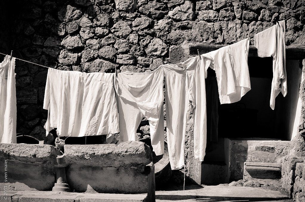 mallorca in black white 17 washing day i really like t flickr. Black Bedroom Furniture Sets. Home Design Ideas