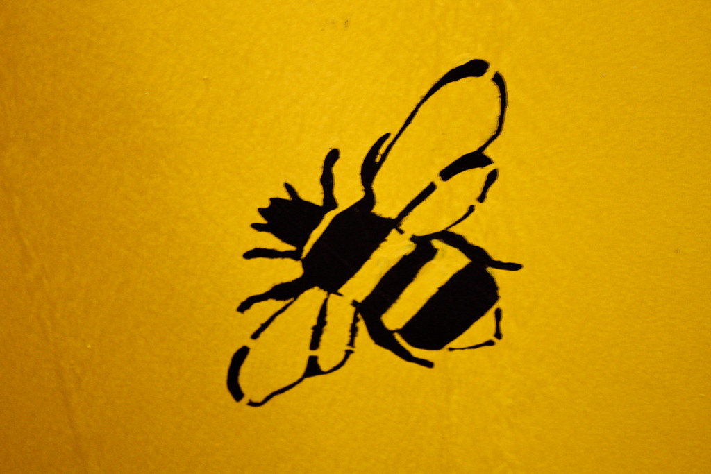 Minnesota >> Bee   A lovely bee stencil in the honey area of the Minnesot…   Flickr