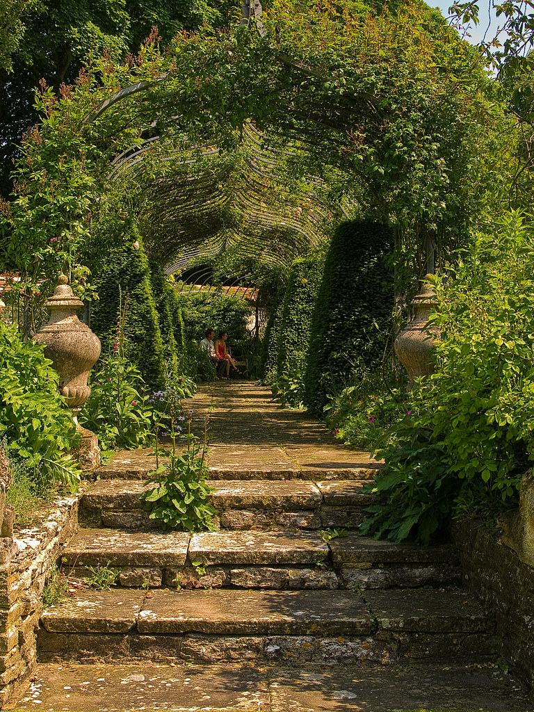 The pergola in the garden of the 17th Century Chisenbury P… | Flickr