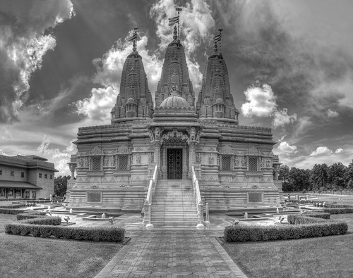 BAPS Temple, Bartlett IL - HDR B&W panoramic | by Rasidel Slika