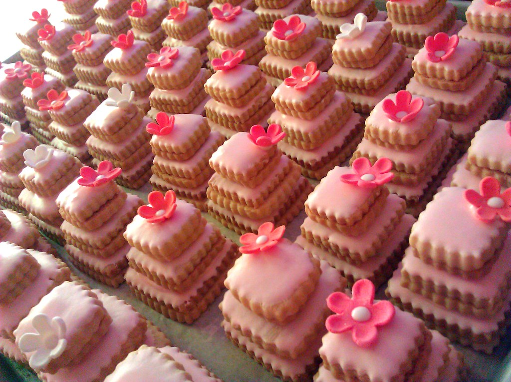 stacked wedding cake cookie favors pink cookie cakes stacked butter cookie wedding favors 20462