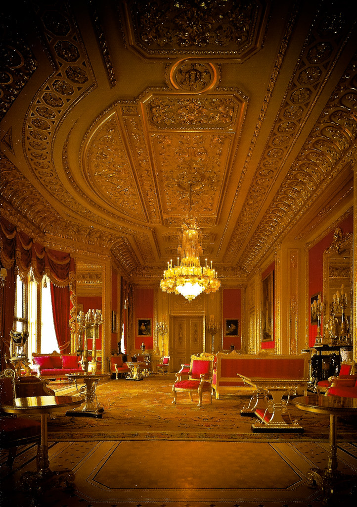 The Crimson Drawing Room - State Apartments at Windsor Cas