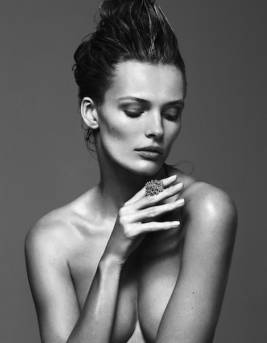 KAIZFENG FASHION - EDITA VILKEVICIUTE - Numero China | by KAI Z FENG