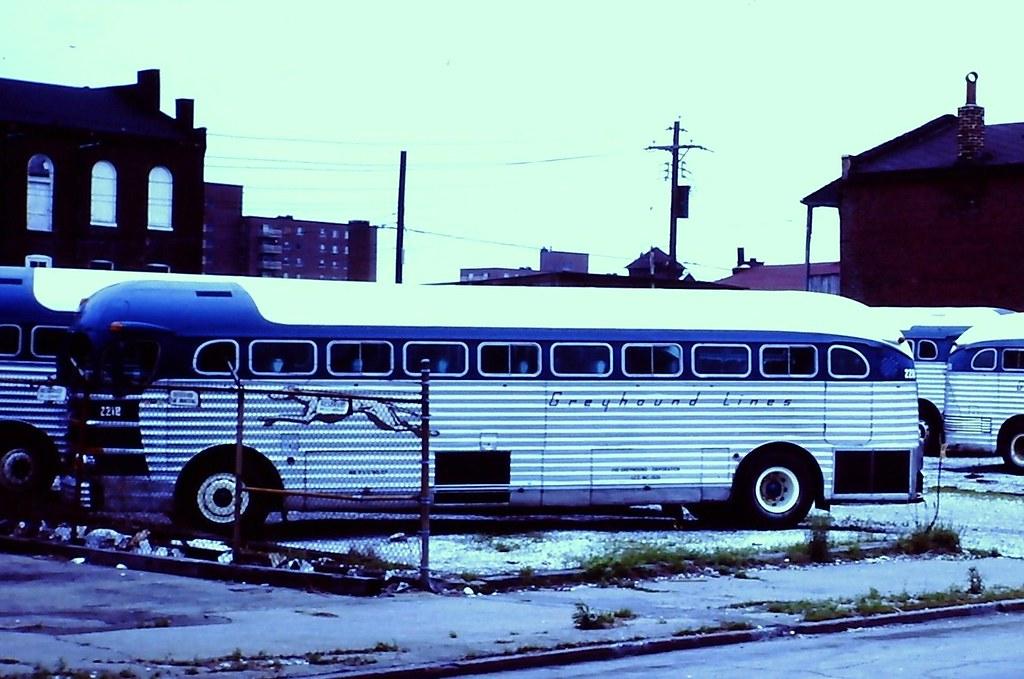 Greyhound Bus 2212 Gm Pd 3751 Taken At St Louis Mo
