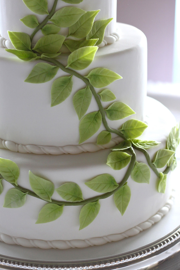 wedding cake with green leaves green leaves wedding cake clouser flickr 26903