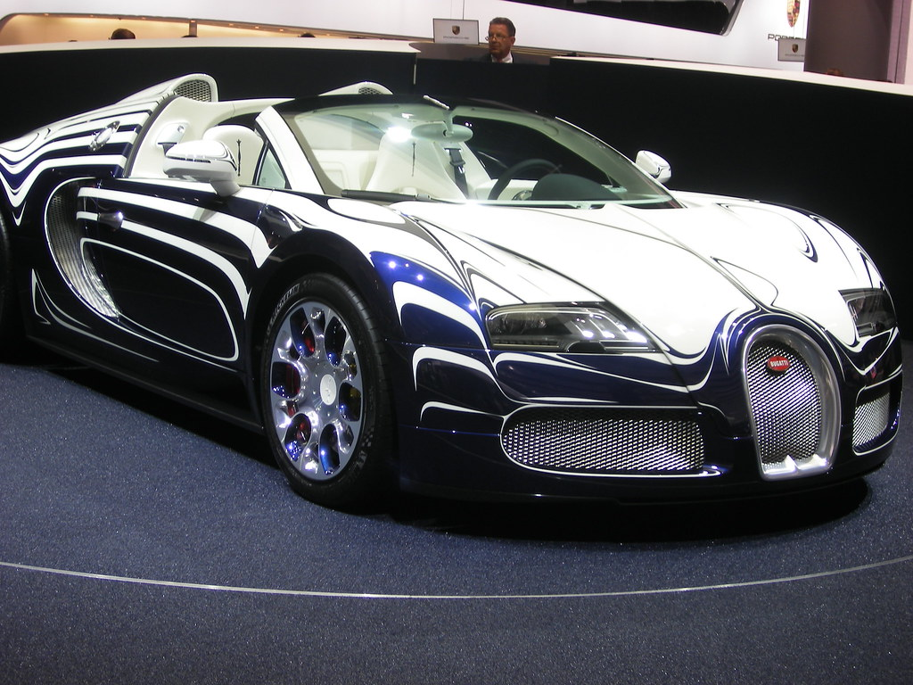 bugatti veyron grand sport l 39 or blanc for more images. Black Bedroom Furniture Sets. Home Design Ideas