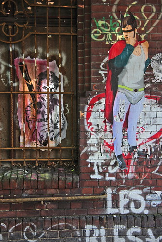 Superman is sceptic in front of Dirty Harry by NiceArt @ Berlin Kopi | by Urbanhearts