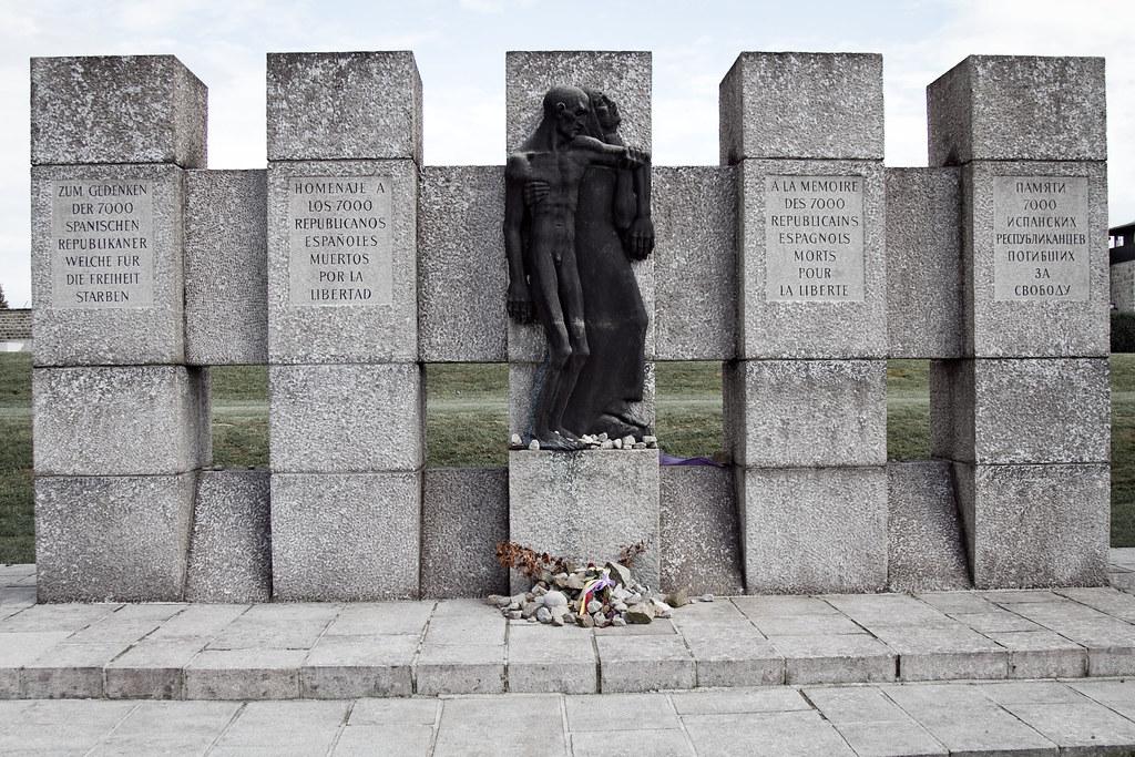 """Résultat de recherche d'images pour """"mauthausen : monument des espagnols"""""""