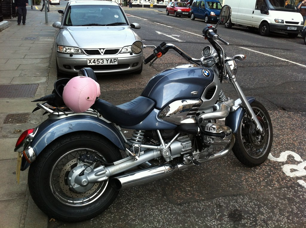 What Is Bmw >> BMW R1200C cruiser | Or possibly an R850C? How do you tell t… | Flickr
