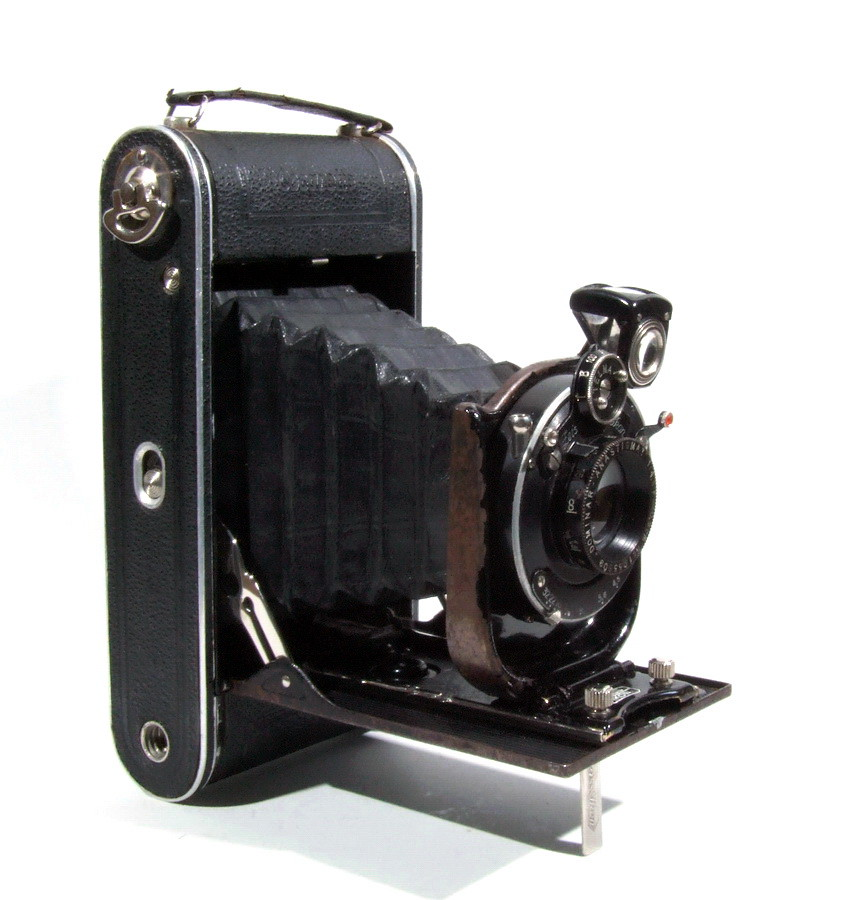 Zeiss Ikon Cocarette Manufactured By Zeiss Ikon Ag