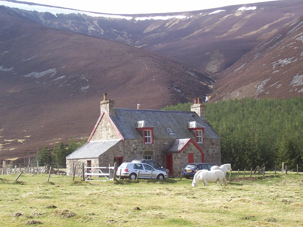 Remote Cottage Glen Clunie Near Braemar Royal Deeside