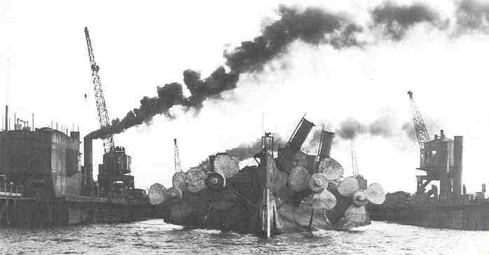 Sms Derfflinger Under Salvage At Scapa Flow Frigatern