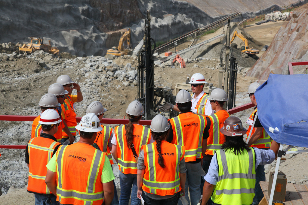 construction and engineering students visit the folsom spi