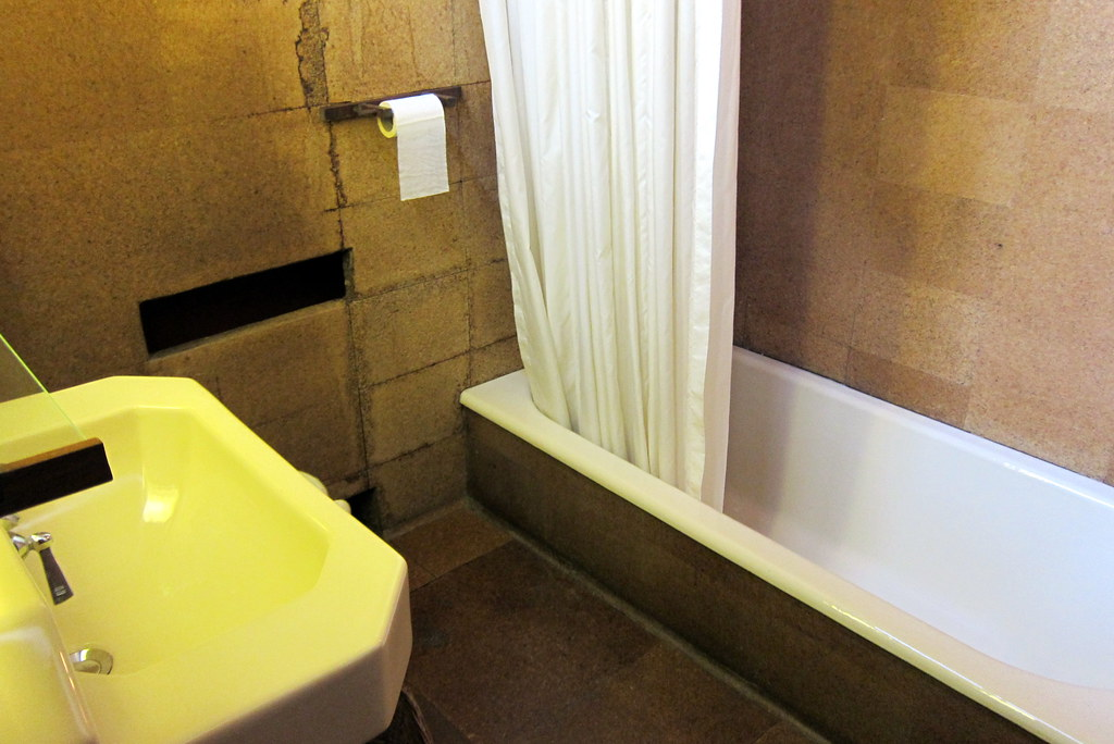 Pa Mill Run Fallingwater Guest Bathroom The