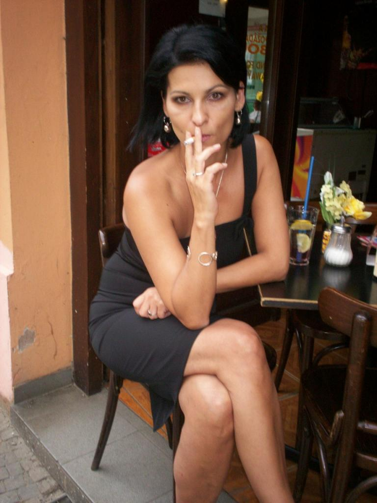 Smoking Dasha 7  Muryru3  Flickr-4329