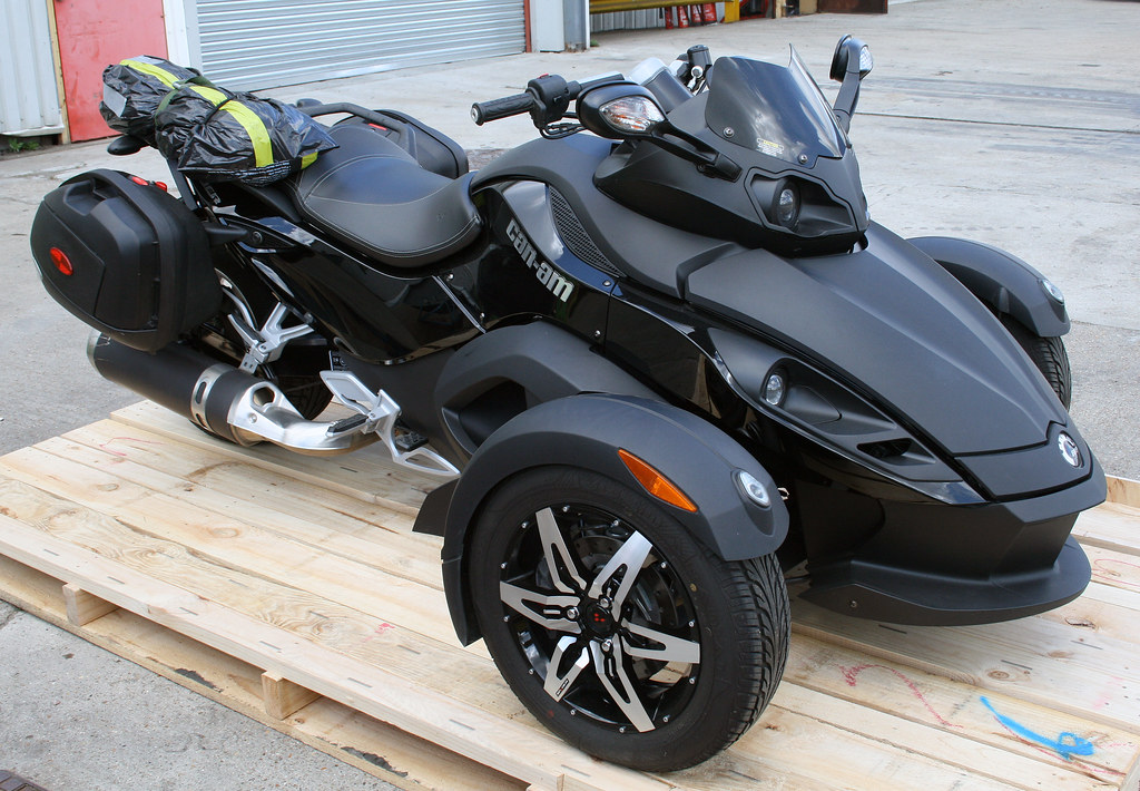 Three Wheel Spyder Motorcycles That Runs On Car Battery