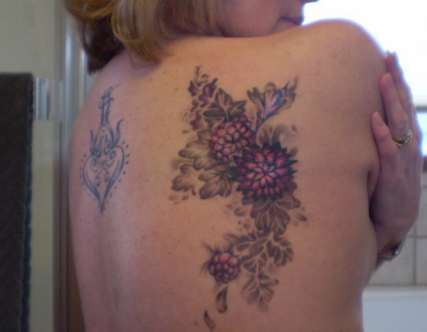 Scar cover up back tattoo floral cover up tattoo flickr for Tattoos to cover surgery scars