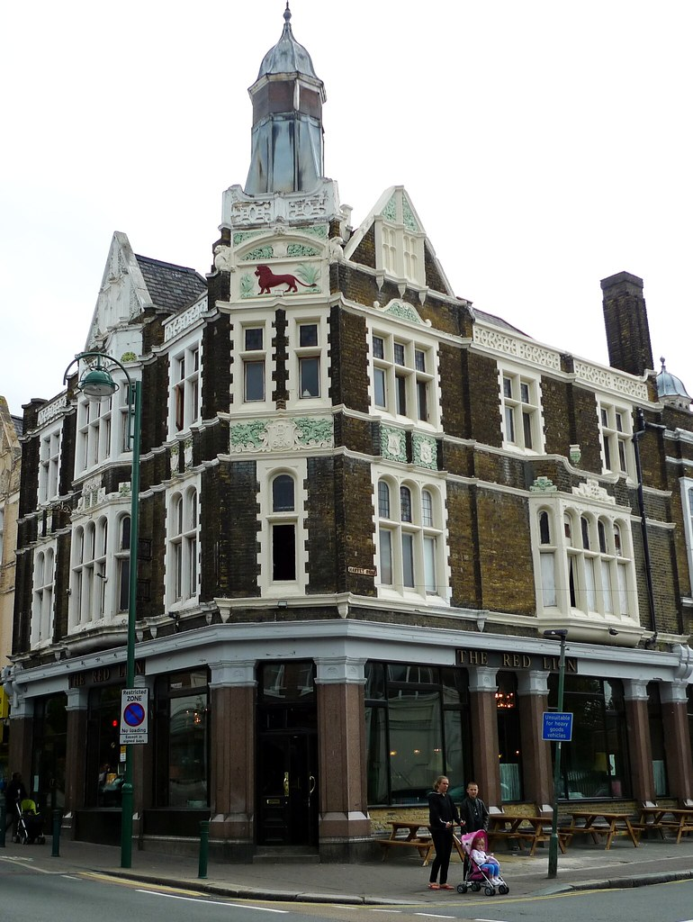 Red Lion Leytonstone E11 A Grand Building With A Fine