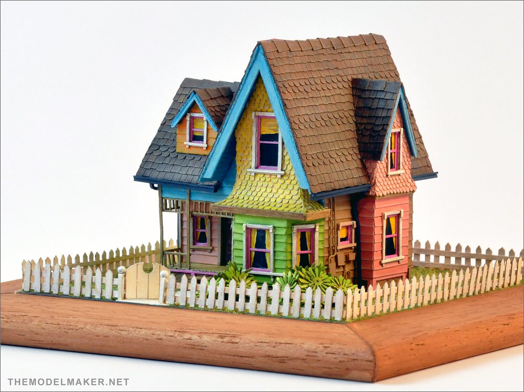 pixar up scale model 1 model of carl 39 s house from disney