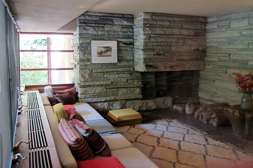 Pa Mill Run Fallingwater Guest House Living Room