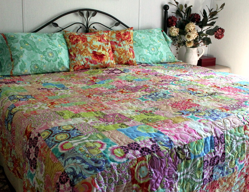 Queen size Quilt Ensemble Amy Butler Medley | Gorgeous queen… | Flickr : queen size quilts - Adamdwight.com