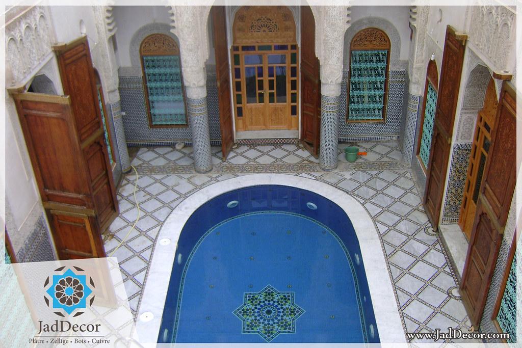 decoration maison marocaine platre beautiful art platre maroc tahafull idee faux plafond salon. Black Bedroom Furniture Sets. Home Design Ideas