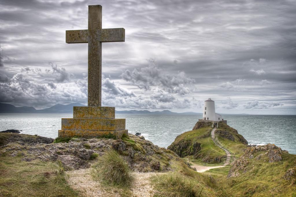 Ynys Llanddwyn Lighthouse Ynys Llanddwyn Lighthouse