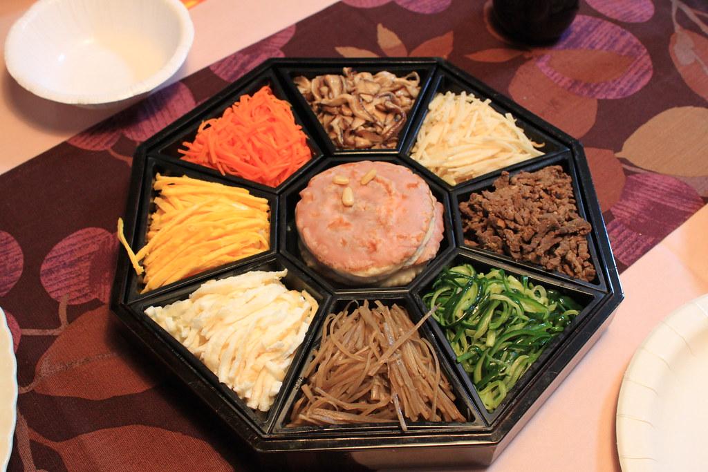 구절판 gujeolpan wraps with eight delicacies a korean roy flickr