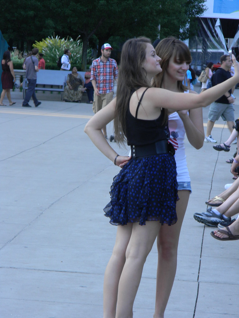 Very short skirt pictures